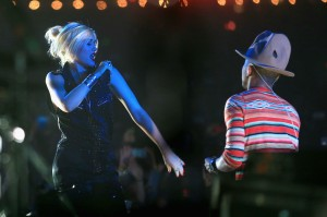 Pharrell-Williams-and-Gwen-Stefani-Featured