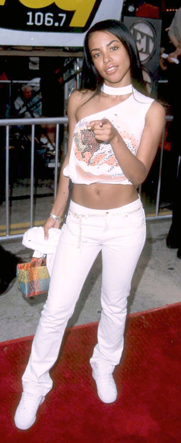 7d85c6cecaf0ab Aaliyah loved wearing all white. aaliyah4 aaliyah5 aaliyah6